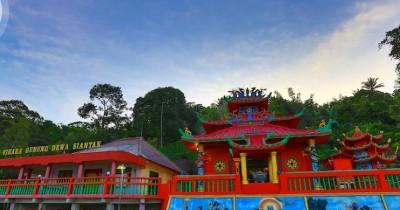 Vihara Gunung Dewa Siantan, Obyek Wisata Religi Anambas Yang Memukau