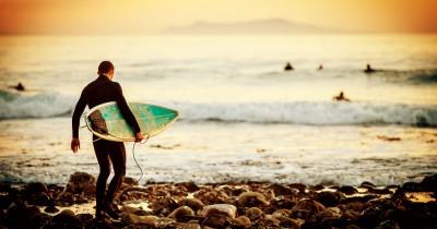 Menikmati Keindahan Alam Pantai Cimaja, Pesona Alam Pantai Berbatu Sukabumi, Jawa Barat