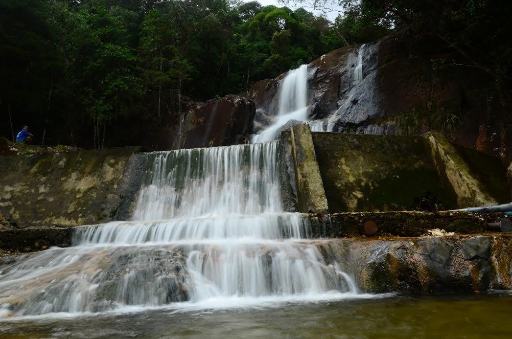 Wisata Ke Kesejukan Alam Gunung Daik