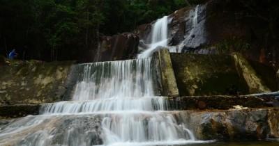 Air Terjun Tande, Menikmati Air Terjun Dengan Pemandangan Memukau Kabupaten Lingga