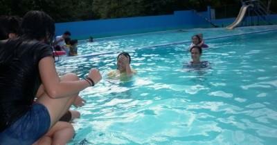 Nikmati Kesegaran Berenang di Taman Wisata Hanaria
