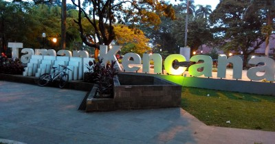 Nongkrong Asik Sambil Wisata Kuliner di Taman Kencana Bogor