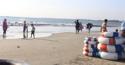 Pantai Tapak Paderi, Nikmati Indahnya Sunset