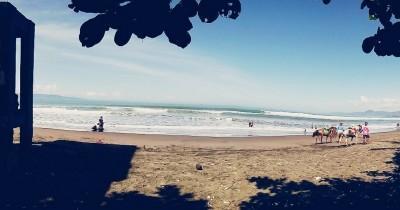 Pantai Pelabuhan Ratu, Menikmati Desiran Ombak Ala Pantai Pulau Dewata