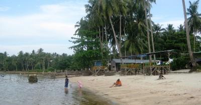 Pantai Maimun,  Pesona Pantai Asri Dengan Udara Yang Sejuk