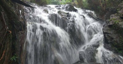 Air Terjun Jelutung, Menikmati Keindahan Air Terjun Tertinggi di Kepulauan Riau