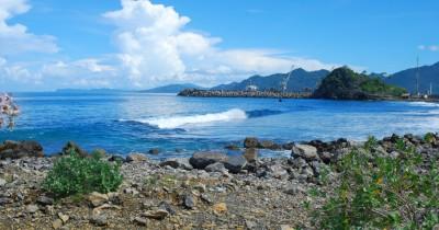 Pantai Lhoknga, Pantai Eksotis Dengan Spot Surfing Menantang