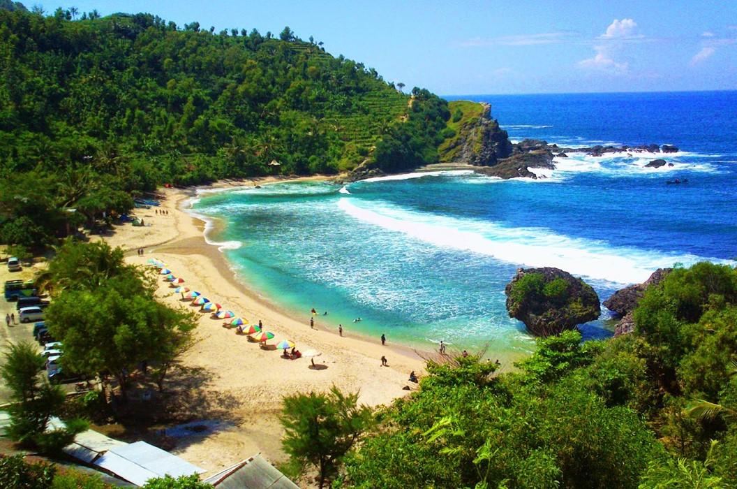 Pantai Nglambor, Spot Snorkeling Terbaik di Yogyakarta