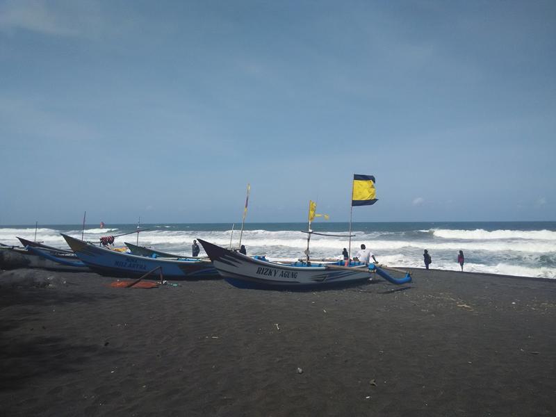 Pantai Baru, Pantai Dengan Keunikan Kincir Angin