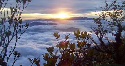 Gunung Burni Telong, Spot Pendakian Sempurna dengan Pesona Bunga Edelweis