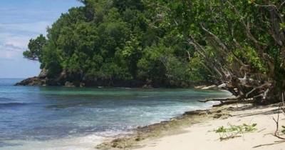 Pantai Pasir Setumpuk, Surga Kecil di Balik Perbukitan Aceh Selatan