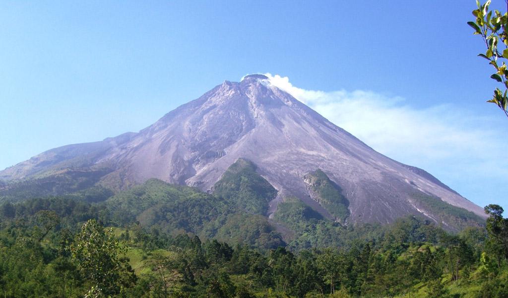 Gunung Merapi, Gunung Legendaris Dengan Sejuta Misteri