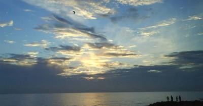 Pantai Ujong Blang, Pantai Eksotis Berpadu Sunset dan Sunrise