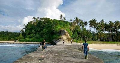 Pantai Batu Alafan, Pantai dengan Keunikan Batu Besar di Simeulue