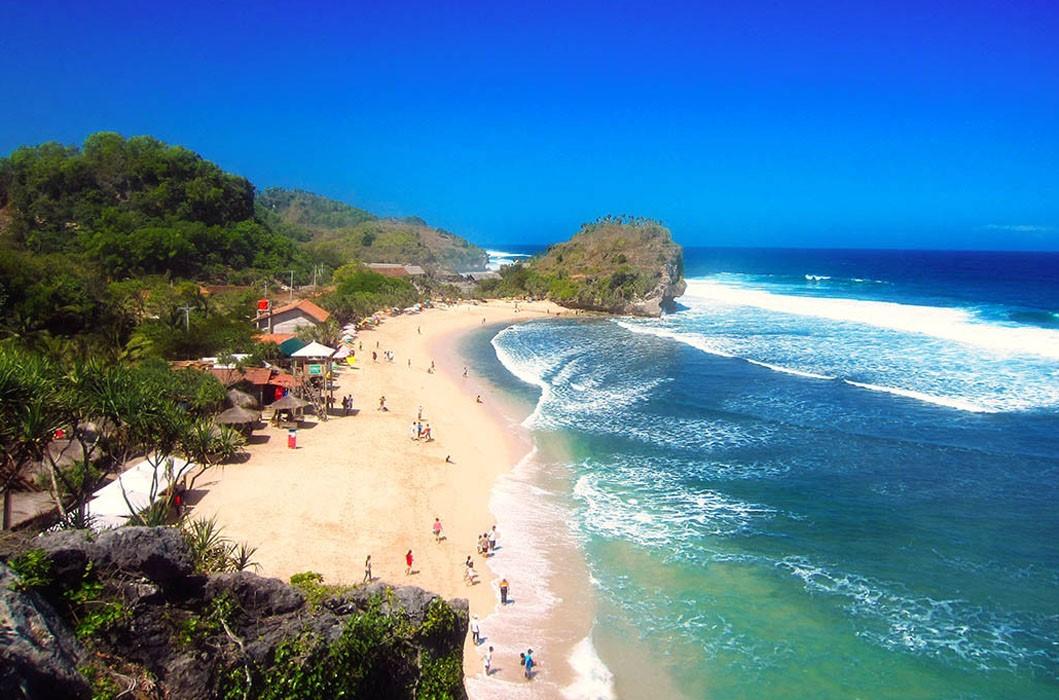 Pantai Indrayanti, Pantai Bernuansa Eksotis dan Romantis