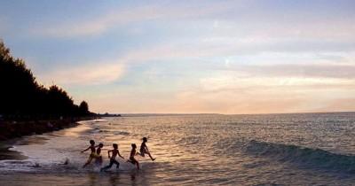 Pantai Mantak Tari, Pantai Cantik Berpasir Hitam yang Berkhasiat