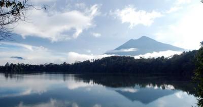 Danau Pauh, Danau Alami dengan Background Gunung Masurai