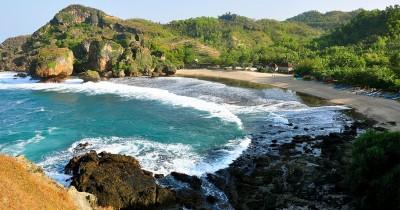 Pantai Siung, Pantai Indah Dengan Spot Climbing Terbaik di Jogja