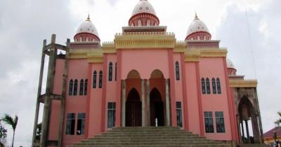 Masjid Pink, Masjid Cantik yang Kini Menjadi Wisata Religi di Bintan