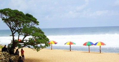 Pantai Pok Tunggal, Keindahan Pantai Pasir Putih yang Eksotis
