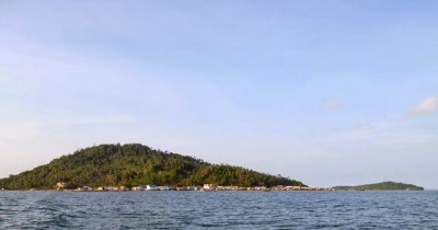 Menikmati Indahnya Pulau Kampung Nelayan di Pulau Batu Belah