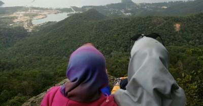 Puncak Gunung Jantan, Spot yang Cocok Digunakan Untuk Menikmati Alam Bebas dari Ketinggian