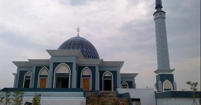 Keindahan Arsitektur dan Ornamen Khas Melayu di Masjid Raya Kepulauan Riau