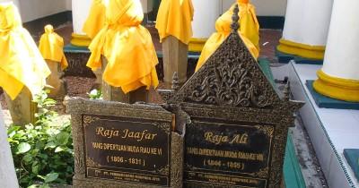 Makam Raja Ja'far, Tempat Peristirahatan Putra Mahkota Raja Tersohor di Kepulauan Riau