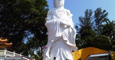 Patung Dewi Kwan In, Pesona Patung Tertinggi di Indonesia