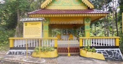 Makam Daeng Celak dan Daeng Marewa, Destinasi Religi di Tanjungpinang