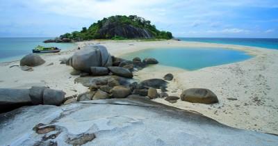 Berwisata Sambil Menikmati Keramahan Penduduk pulau lalang