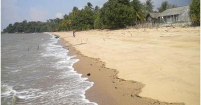 Pantau Gading Kepri, Jajaran Batu Granit Yang Membuat Para Wisatawan Enggan Memalingkan Mata