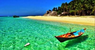 Pesona Pantai Sisi, Pantai Pasir Putih Terpanjang di Kepulauan Riau