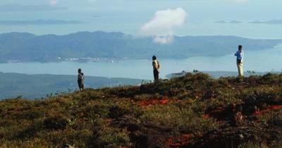 Nikmati Berpetualang di Gunung Sepincan, Gunung Tertinggi di Kepulauan Riau