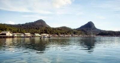 Pulau Tambelan, Nikmati Kecantikan Terumbu Karang Tanpa Menyelam ke Dasar Laut
