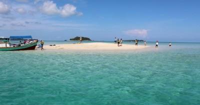 Uniknya Menyusuri Pulau Pasir Tempat Wisata yang Tak Pernah Sepi Sepanjang Tahun
