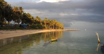 Abadikan Momen Kebersmaan Bersama Keluarga Anda Sambil berkunjung ke Cagar Budaya Bawah Air Pantai Teluk Buton