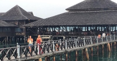 Calypso Floating Bar dan Kelong Seafood Restaurant, Tempat Menyicipi Kuliner Khas Kepulauan Riau
