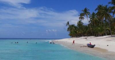 Pantai Pasir Manang, Keasrian Pantai yang Cocok Sebagai Destinasi Wisata