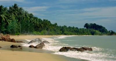 Berwisata Ke Pantai Teluk Empuk, Pesona Alam Yang Masih Tetap Terjaga