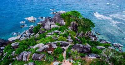 Batu Sindu, Tawarkan Suasana Romantis Kemilau Cahaya Malam Yang Indah