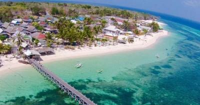 Menikmati Keindaahan Laut Seribu Warna di Pulau Selayar