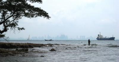 Pantai Tanjung Pinggir Pesona Di Garis Batas Indonesia