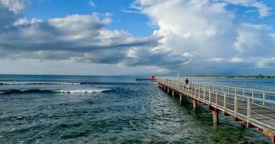 Pantai Tanjung, Tempat Terbaik Melihat Pemandangan Gunung Ranai Nan Indah Bagi Para Wisatawan