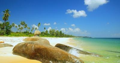 Pantai Senggiling, Telusuri Keindahan Alam yang Masih Perawan