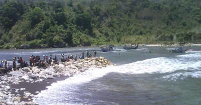 Pantai Kucur, Sebuah Pantai Eksotis di Jember
