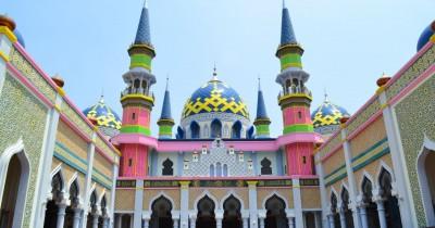 Masjid Agung Tuban, Menikmati Kemegahan Sebuah Tempat Ibadah