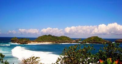 Pantai Peh Pulo, Pantai Yang Sangat Mirip Dengan Raja Ampat