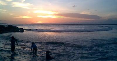 Pantai Puger, Sebuah Surga Kecil Yang Terdapat di Jember
