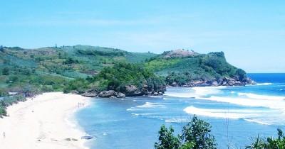 Pantai Gondo Mayit, Pantai Penuh Misteri Yang Menyimpan Keindahan Luar Biasa